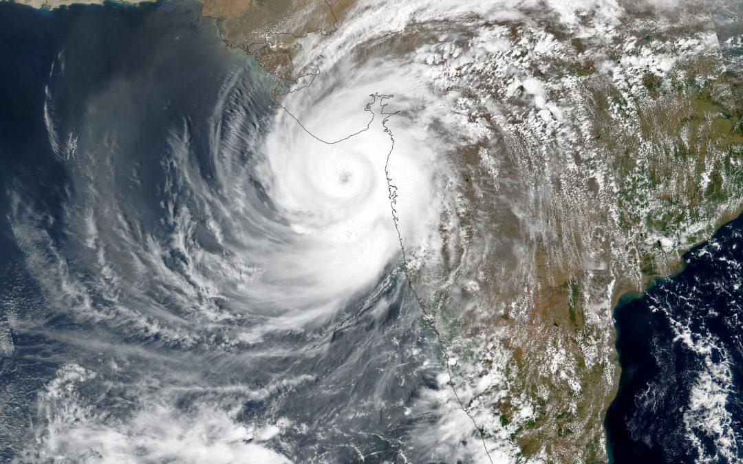 El ciclón Tauktae toca tierra en la India