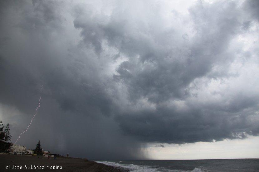 La mitad de la lluvia del Planeta cae en 12 días