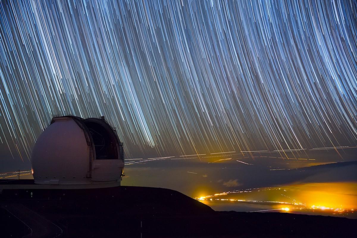 Admirar la Vía Láctea y las nubes