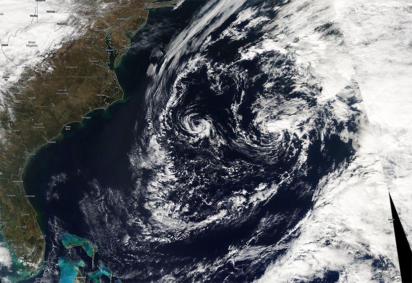 Efecto Fujiwara entre dos mesovórtices en el Atlántico Occidental